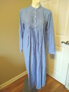 Vtg LL BEAN Cotton Long Flannel Pin-Tuck Sleep Gown Country Blue Size Small NWOT