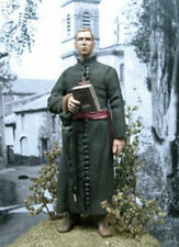 1/35 Scale Priest with book and an umbrella - resin model kit
