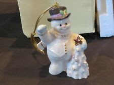 "Lenox Classics The 2002 Annual Snowman Ornament ""Holiday Greetings� with Box"