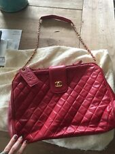 CHANEL VINTAGE Red quilted Lambskin doctor bag