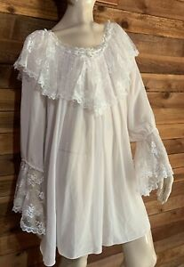 NEIMAN MARCUS IVORY SIZE SMALL NIGHTGOWN  with LACE TRIM  #11612