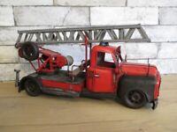 Feuerwehr Wagen Fahrzeug Modell 40 cm Nostalgie Blechmodell Metall Neu