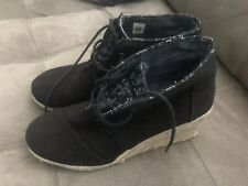 Toms Black Canvas Wedge Lace Up Shoes Size 9.5 Womens