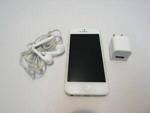 AT&T APPLE IPHONE 5 SMART PHONE + BUNDLE HEADPHONES APPLE IPHONE FACTORY RESET