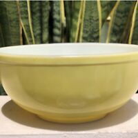 Pyrex Primary Yellow 404 Mixing Bowl Kitchen White Glass Dish Vintage Cook Chef