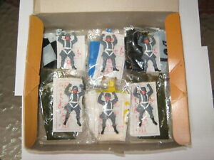 Timpo German 2nd series paratroopers box of 6 -3 short - 3 long boots near mint