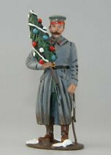 Del Prado - World War I German Soldier Holding Christmas Tree Soldier-1