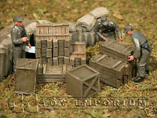 """""""RETIRED"""" Build-a-Rama 1:32 scale Hand Painted WWII Cargo Set"""