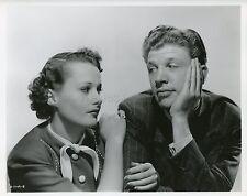LYNN CARVER DAN DAILEY DULCY 1940 CLARENCE SINCLAIR BULL VINTAGE PHOTO ORIGINAL