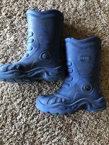 crocs rain boots size 10-11t