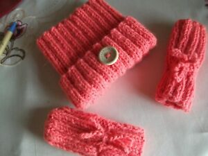 HANDKNITTED TEABAG HAT + MITTENS...TO FIT 6/12 MONTHS...CORAL