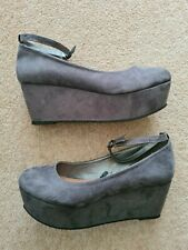 Womens Grey Suede Wedges Size 5