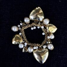 Gold Tone Stretch Charm Bracelet Hearts Pearls