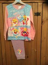 New With Tags Girls Pyjamas Age 4-5 Years , Theme Baby Shark .