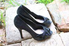 NUDE Black Open-Toe Leaf Bow /Reptile Print 11 cm Heel 24 cm inside Size 37/ 6