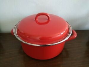 """13611) Red casserole pot pan w lid unbranded 4"""" H 9"""" D at opening"""