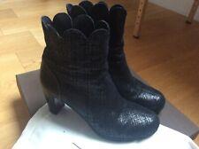 Superbes bottines noires argentées cuir suédé  Chie Mihara  38,5 très bon état !