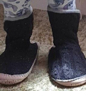 New fleece lined Black Adult slipper boots non-slip soles, range of sizes L,M& S
