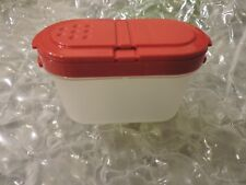 Tupperware Small Spice Shaker Set + FREE SHIPPING, 1 RED as shown