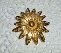 Vintage? DAISY FLOWER Brooch Pin Gold Tone ~ Loves Me Loves Me Not   A60
