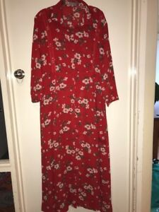 Alice And You Dress Duster Size 20.       #23