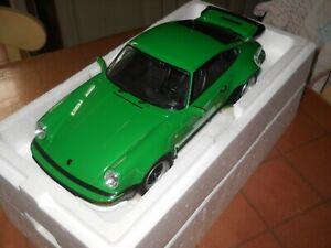 Die Cast Minichamps Porsche 911 turbo green stradale scala 1/12