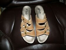 Clarks Bendables 65174 Tan Leather Low Heel Sandal Shoe Size 6M Women's EUC