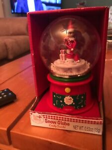 NEW Musical Mini Plastic Snow Globe THE ELF ON THE SHELF Candy Merry Christmas