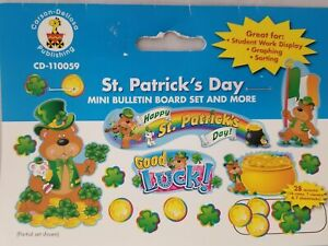St Patrick's Day Mini Bulletin Board Set, (CD-110059) Bear, Clovers, Shamrocks