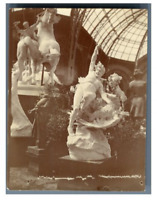 France, Paris, Sculptures à l'intérieur du Grand Palais  Vintage citrate pr