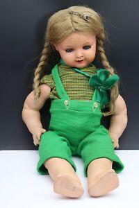 Alte schöne Puppe  Schutz Marke (01-030421)
