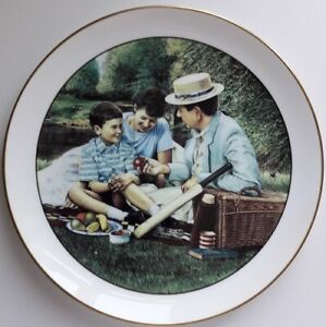 Wedgwood 'PICNIC BY THE RIVER' PLATE, Retro, vintage, shabby chic