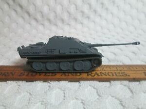 """Model WWII German Tank? Weighted 1.3 Ounce 4.7"""" Long Overall 1/72 Scale #1 nr"""