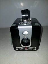 VINTAGE 1950s KODAK BROWNIE HAWKEYE CAMERA