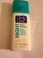 Clean & Clear Soft Oil-Free Night Moisturizer