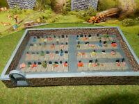 Friedhof mit Grabsteinen Blumen Büschen Ausstattung Spur N B563