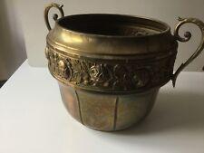 Cache-pot, vase, jardinière dinanderie, en laiton
