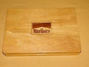 VINTAGE CIGARETTES TOBACCO MARLBORO POKER CHIPS IN WOOD BOX SET