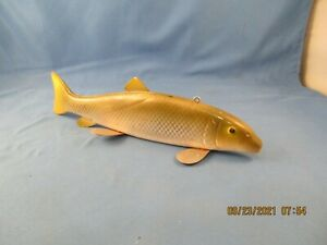 VINTAGE SUCKER FISH DECOY ~ ICE FISH SPEARING ~ FISHING LURE good cond used