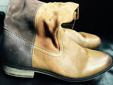 Beige/brown leather boots