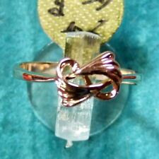 9 ct GOLD  second hand bow shape ring