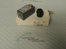 ABB LS35P31B11 LIMIT SWITCH 30MM ROLL LEVER PLUNGER