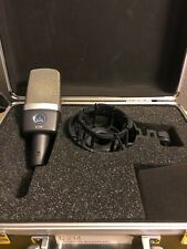 AKG C214 Professional Large-Diaphragm Condenser Microphone - Black