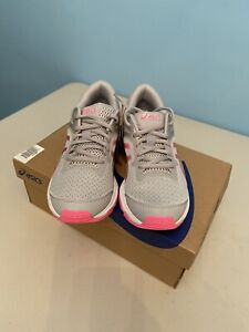 Kids Girls Asics GT-1000 10 GS Running Shoes Trainers. Grey Hot Pink. Size UK4