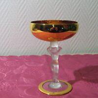 Rare coupe à champagne doré en cristal de Bayel modèle venus nue ( lot J )