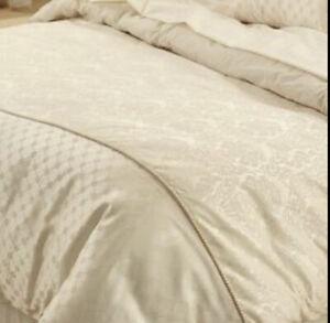 SHERIDAN - Super King Duvet Cover / 2 Pillowcases - Gold Damask