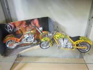 Two Arlen Ness Motorcycles Iron Legends 1/18 Scale Die Cast Replicas