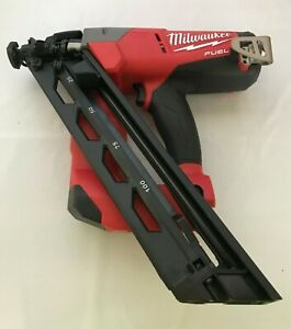 Milwaukee 2743-20 M18 Fuel Cordless 15 Gauge Finish Nailer, LN
