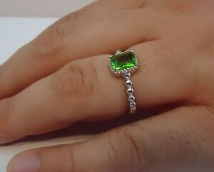 BEADED SHANK SQUARE CENTER RING W/ 2 CT PERIDOT/ 925 STERLING SILVER /SZ 5-9