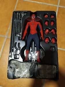 HOT TOYS SPIDERMAN 3 FIGURE